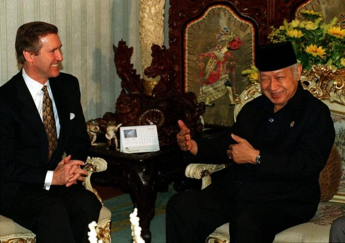 U. S. Secretary of Defense, William Cohen (left), meets with Indonesian President Suharto at his residence in Jakarta on January 14, 1998.
