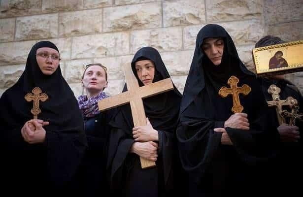 Kaum Perempuan dalam Tradisi Kristen dan Islam